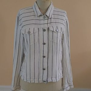 Vince Camuto Striped Shirt. Size - S